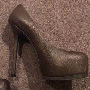 YSL shiny brown pumps size 9/39